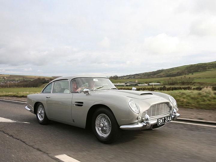 មកដឹងតម្លៃឡាន Aston Martin ស៊េរីឆ្នាំ៩៥ ក្នុងរឿង James Bond អាចលក់បានពេលនេះ