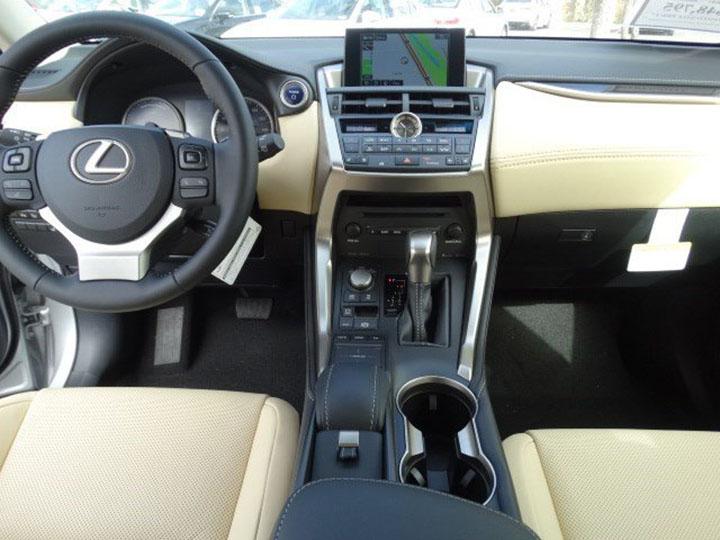 ភាពខុសគ្នារវាង Lexus NX200t និង NX200t F Sport និងតម្លៃលក់នៅខ្មែរ